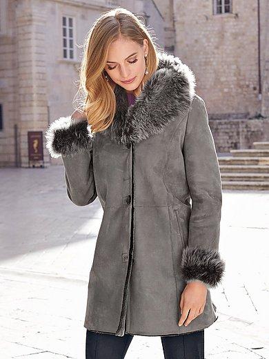Uta Raasch - Le manteau en peau d'agneau