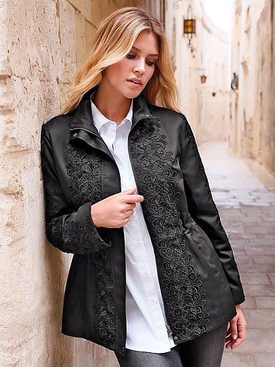 Anna Aura - La veste en dentelle devant