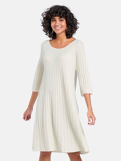 include - Stickad klänning med 3/4-lång raglanärm