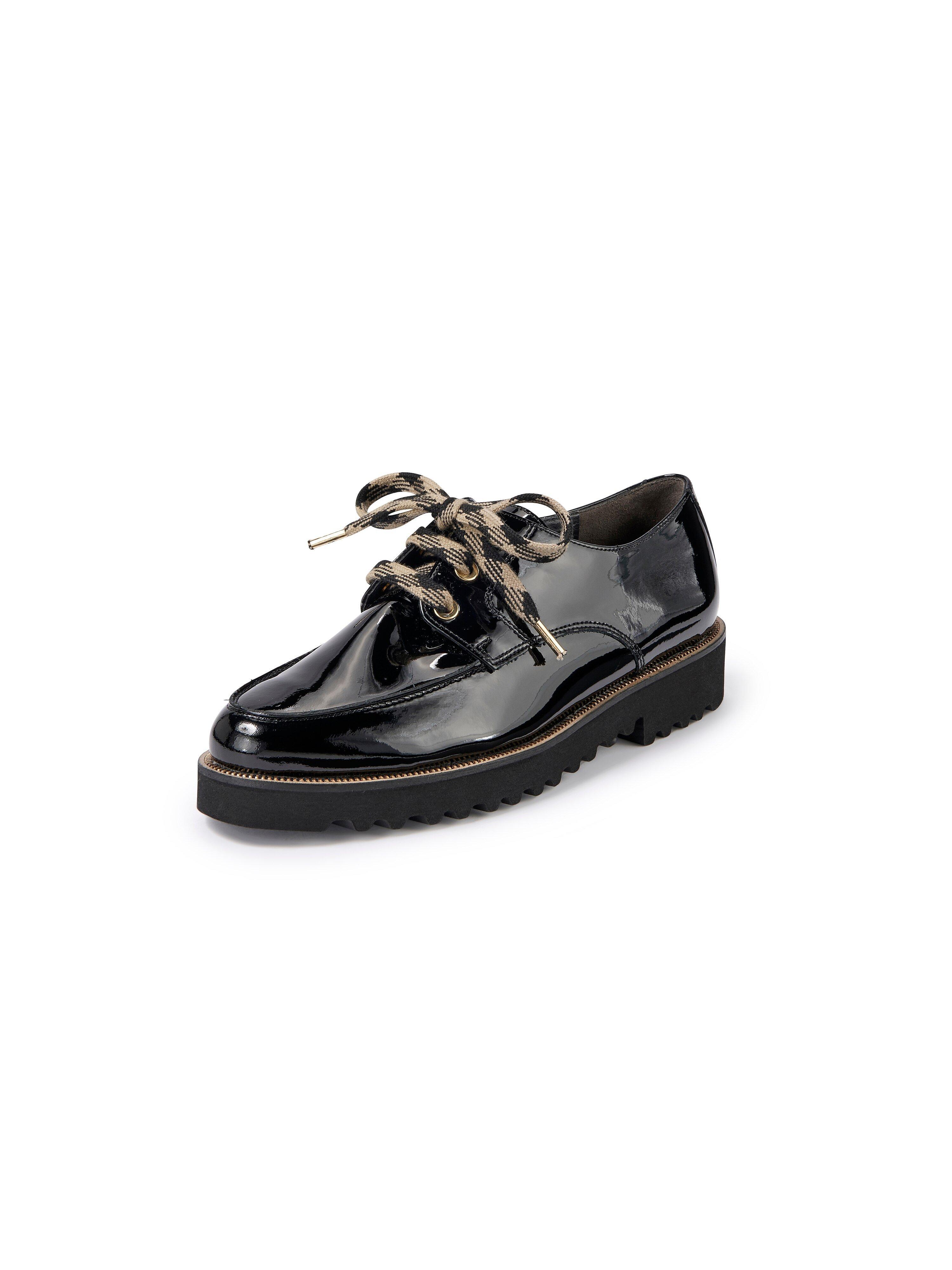 Veterschoenen van zacht kalfslakleer Van Paul Green zwart