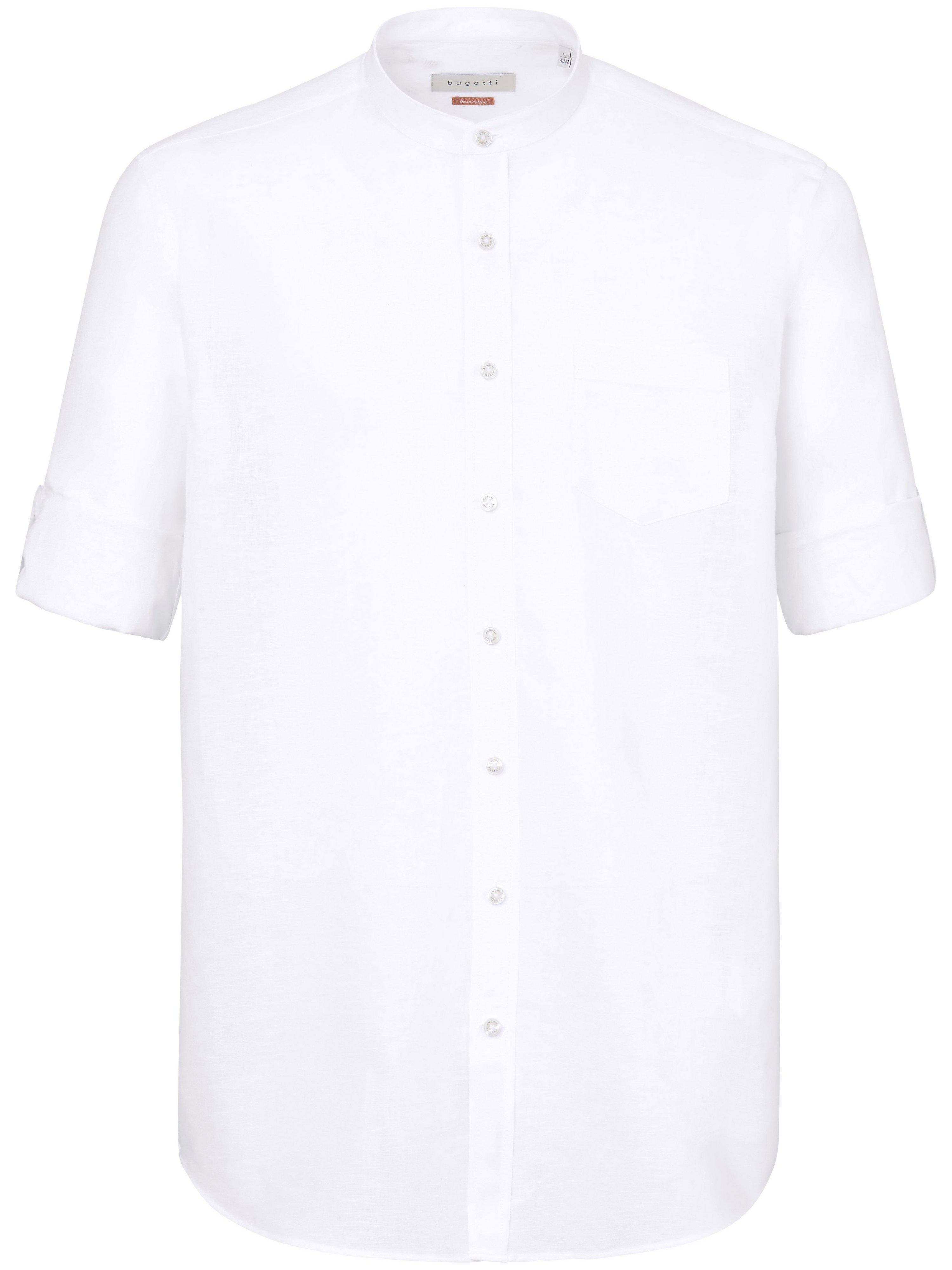 La chemise à col montant  Bugatti blanc taille 43/44