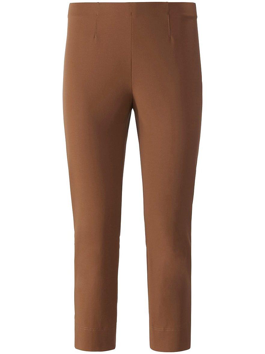 Artikel klicken und genauer betrachten! - Knöchellange Hose von RAFFAELO ROSSI: Modell PENNY zum Schlupfen. Hochelastisch, superbequem und passend zu vielen Outfits. In schmaler, figurschmeichelnder Silhouette mit Ziernähten und einem kleinen Saumschlitz im Rückteil. Formstabiler Super-Stretch in Techno-Baumwolle aus 47% Polyamid, 46% Baumwolle, 7% Elasthan. Schrittlänge ca. 74 cm. Fußweite ca. 29cm. Diese Hose ist maschinenwaschbar. Schonwaschgang 30°. Chlorbleiche nicht möglich. | im Online Shop kaufen