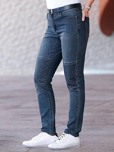 Emilia Lay - Jeans im Biker-Stil