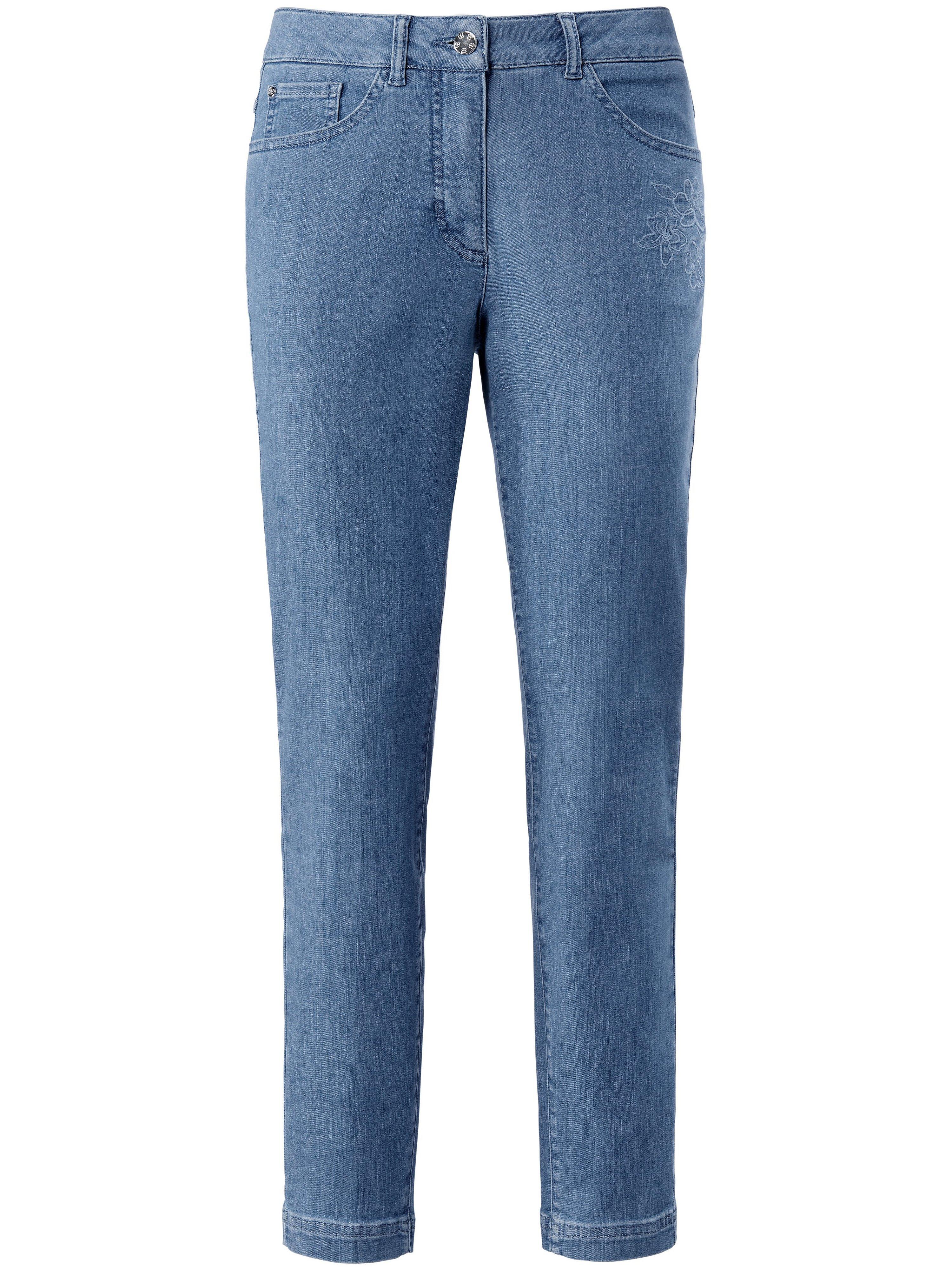 Enkellange jeans model Julienne Van Basler denim
