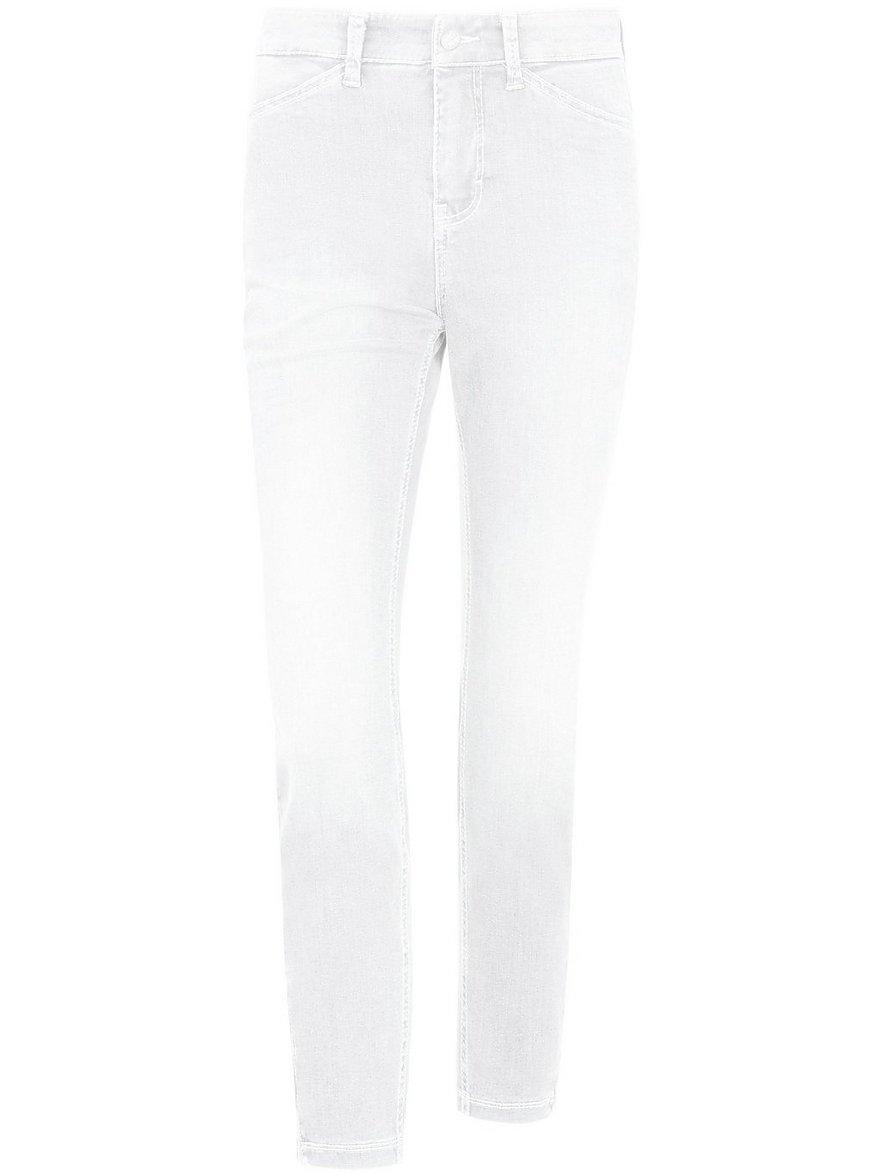 """Artikel klicken und genauer betrachten! - 7/8-Jeans """"Dream Chic"""" von MAC mit extraschmalem Bein und einem Reißverschluss am Saum. Ohne Gürtel. Dream-Jeans – die Hosen-Sensationen von MAC. Sie inszeniert weibliche Formen perfekt und engt dabei nicht ein. Der innovative, weiche Denim mit extrem hohem Stretch-Faktor lässt Ihre Figur sichtbar schlanker wirken und sitzt wie eine zweite Haut. Das exzellente Rücksprungverhalten garantiert dauerhafte Formstabilität.   im Online Shop kaufen"""