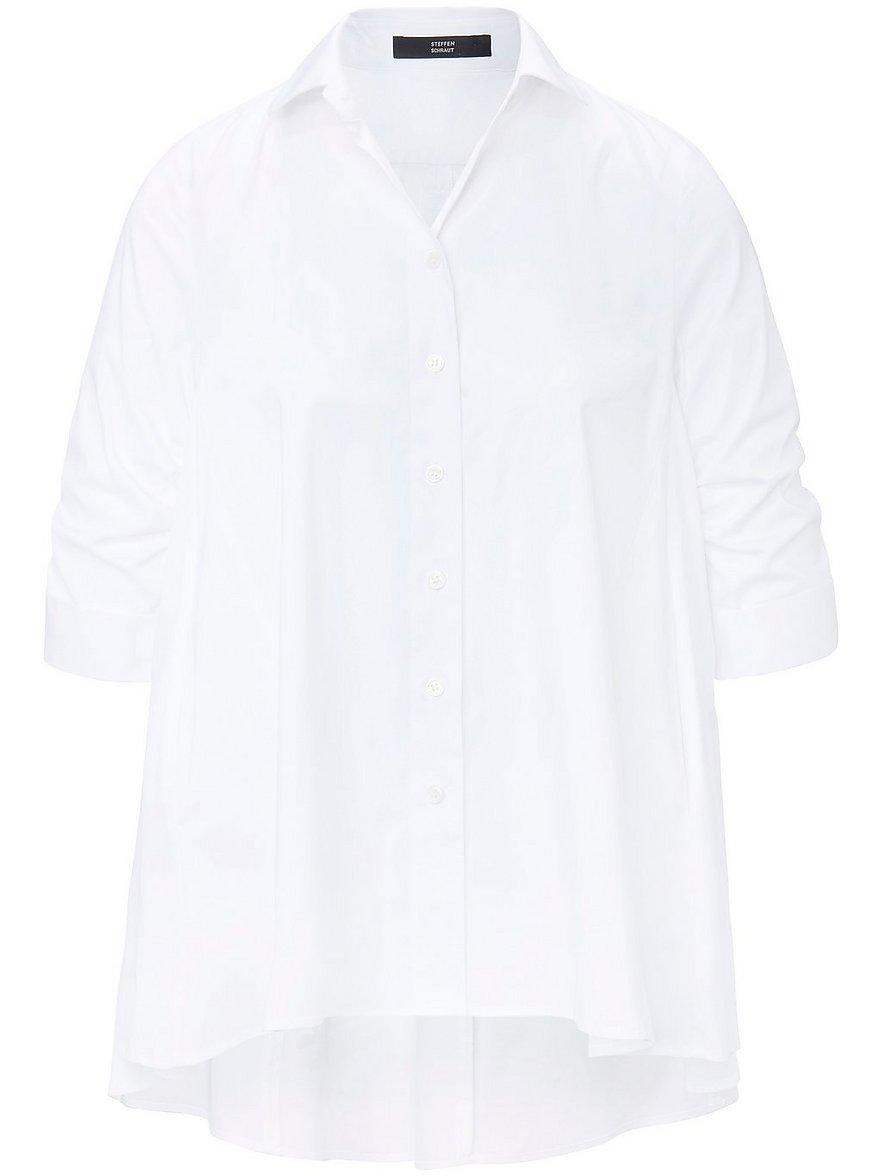 Artikel klicken und genauer betrachten! - Bluse von STEFFEN SCHRAUT mit Umschlag und Schlitz am gerafften 3/4-Arm. Weit, luftig und total angesagt. Eine unentbehrliche Kombi-Bluse im Oversized-Style, die durch raffinierte Schnittführung mit eingesetzten Partien und das längere Rückteil den angesagten Look erhält. Mit Hemdkragen, durchgehender Knopfleiste und Taschen in den Seitennähten. 60% Baumwolle, 35% Polyester, 5% Elasthan. Länge ca. 76 cm. Diese Bluse ist maschinenwaschbar.   im Online Shop kaufen