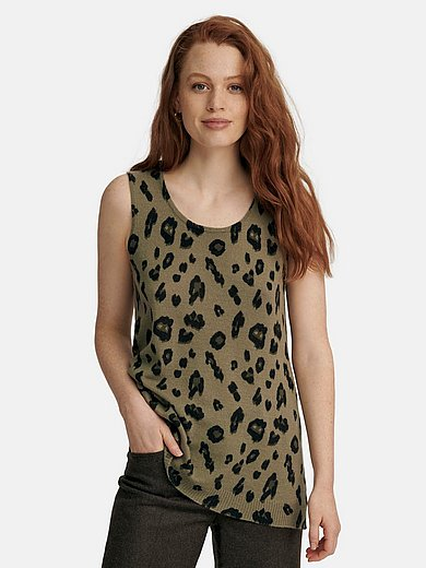 include - Knitted top with wide straps and a round neckline