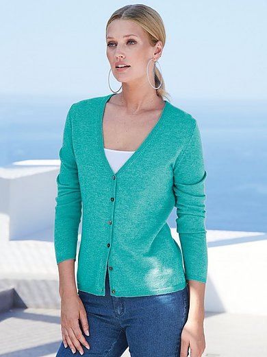 include - Cardigan designed to flatter any figure