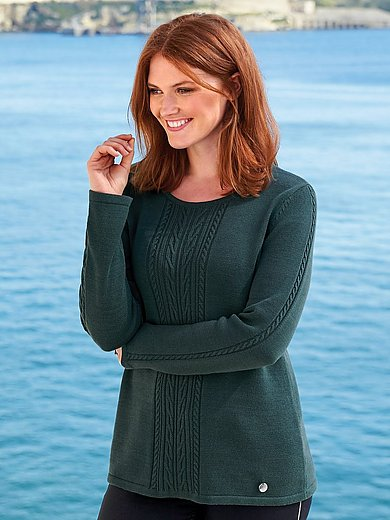 Anna Aura - Jumper with cable stitch pattern