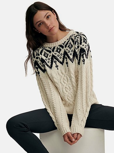 oui - Jumper in Norwegian style with cable pattern