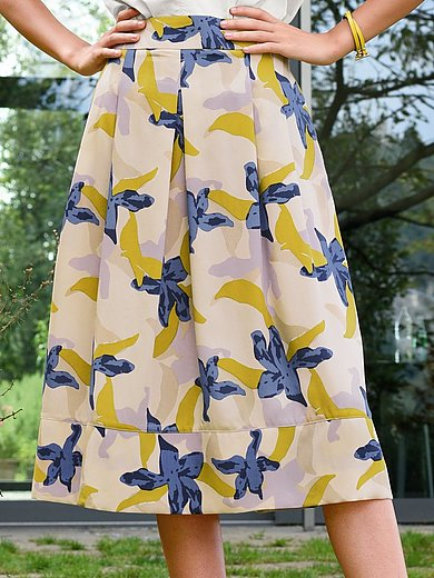 Lanius - Skirt with a print of stylised flowers